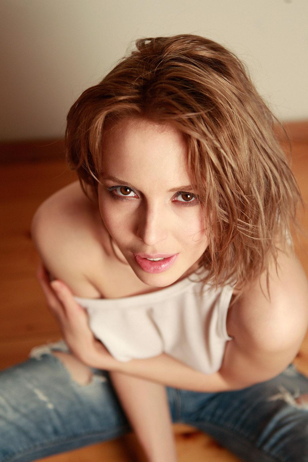 достаточно фото актрисы юлии маньковской недавнего момента